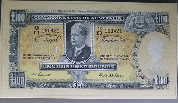 Pattern one hundred pound banknote